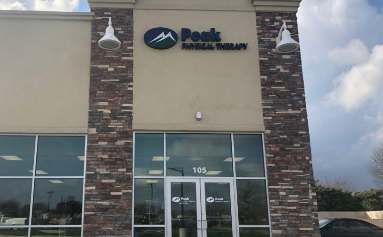 Peak Physical Therapy in Denton, TX Exterior